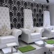 Изготовление мебели с каретной стяжкой для салона красоты